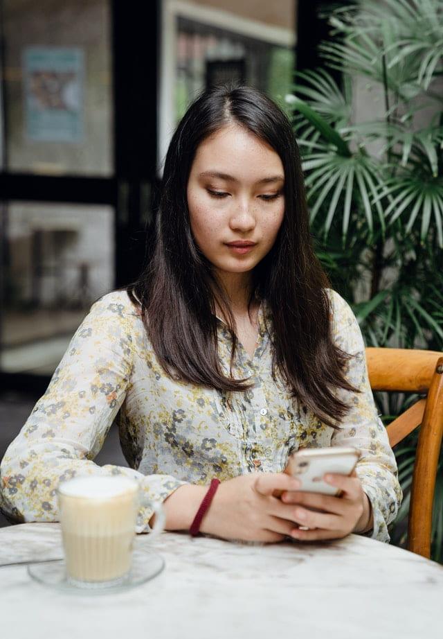 asian woman chats